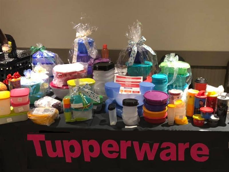 A photo of Tupperware products.